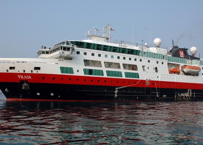 Is Antarctica cruising safe?