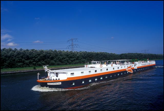 EasyCruiseTwo cancels sailings