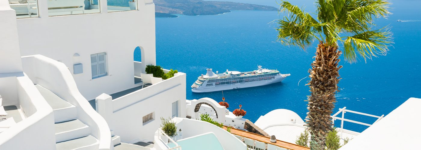 cruise ship in greece.