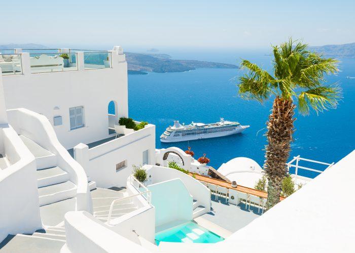 cruise ship in greece.