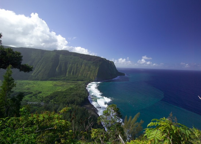 Soak in the Natural Splendor of Waipio Valley on Hawaii's Big Island