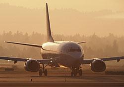 American breaks pledge, holds passengers eight hours