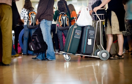 Best Ways to Avoid Baggage Fees: A Holiday Travel Primer
