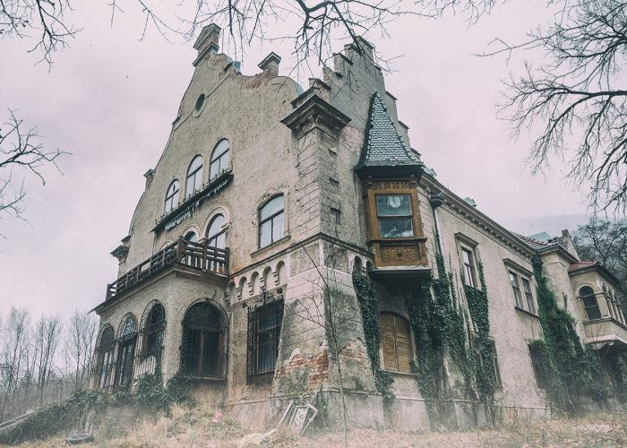 10 Creepiest Hotels in the World