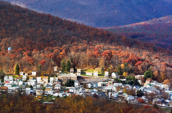 10 Small Towns with Fantastic Fall Color SmarterTravel