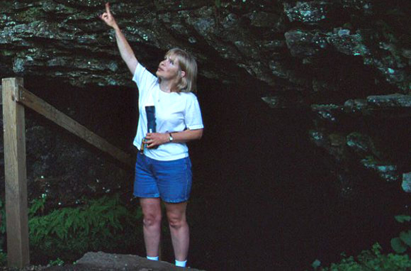 Bell Witch Cave (Adams, Tennessee)