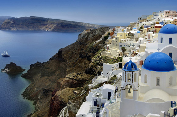 Sail Greece: Santorini To Mykonos (Intrepid Travel)