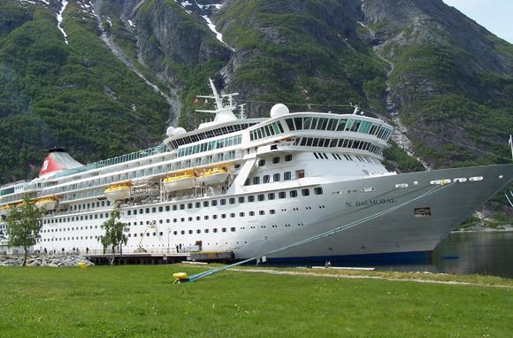 'Titanic' Memorial Cruise: Atlantic Ocean