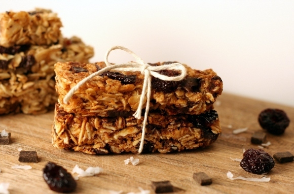 Coconut-Chocolate-Cherry Granola Bar