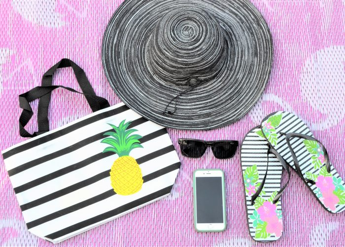 10 Tips for Packing a Perfect Beach Bag