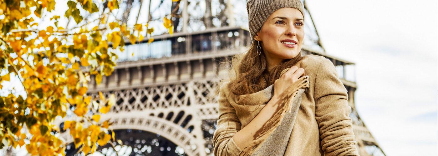 woman tourist in paris autumn