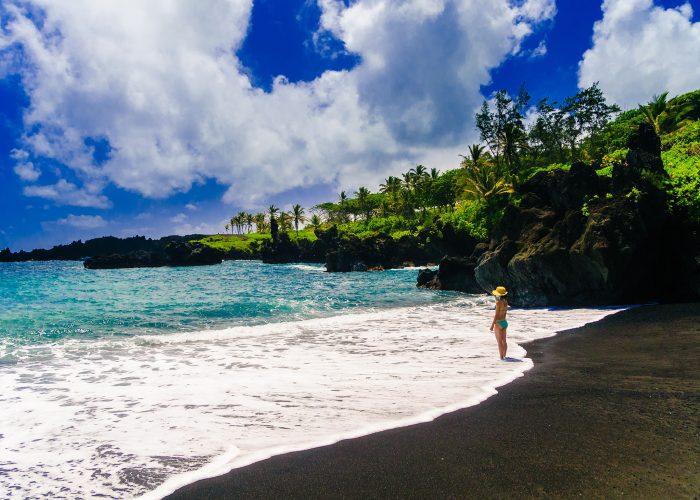 maui black sand beach