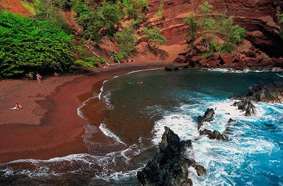 maui red sand beach