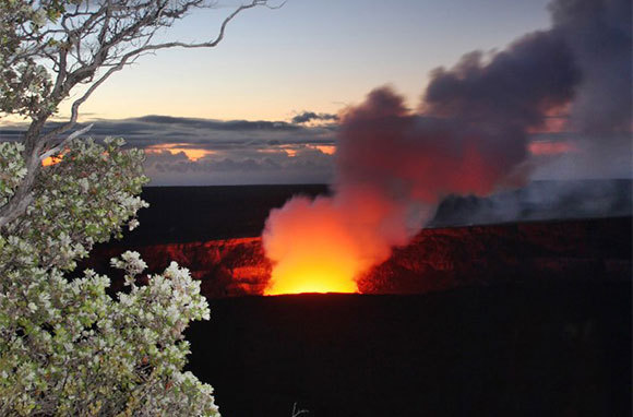 Explore Hawaii Volcanoes National Park, Hawaii