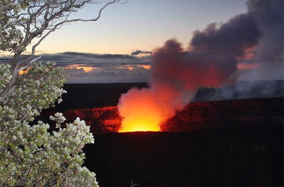 Explore Hawaii Volcanoes National Park, Hawaii