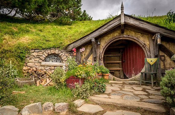 See the Sights and Sets of Middle-earth