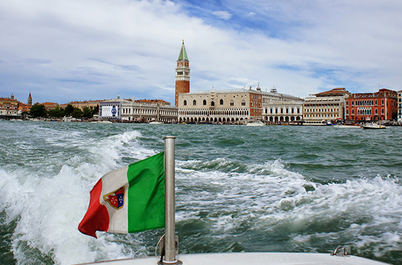 There's a Right Way to Enjoy Venice by Water