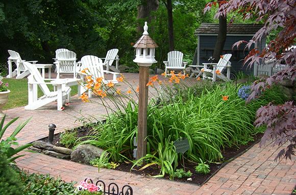 Relaxing Gardens at Hartstone Inn & Hideaway