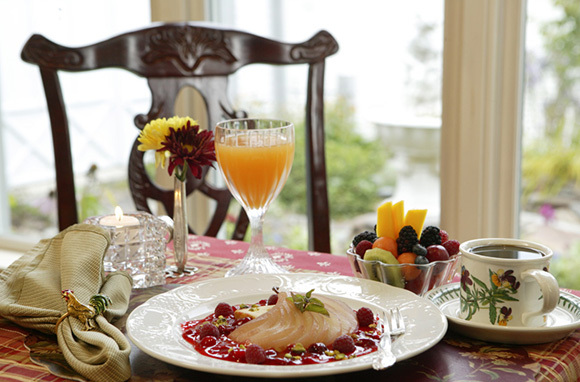 Hartstone's Daily Multicourse Breakfast