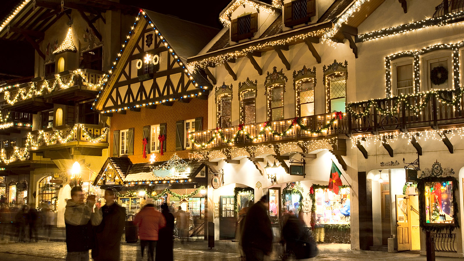 10 Best Small Towns For The Holidays Smartertravel