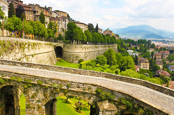 Bergamo To Innsbruck Hiking (Wilderness Travel)