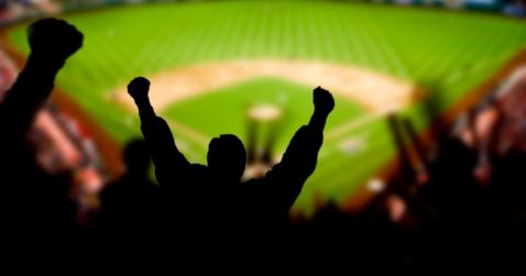 Midwest Ties Bonus Miles to Baseball Scores