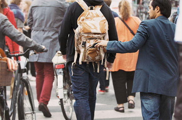 Pickpocketing Scams