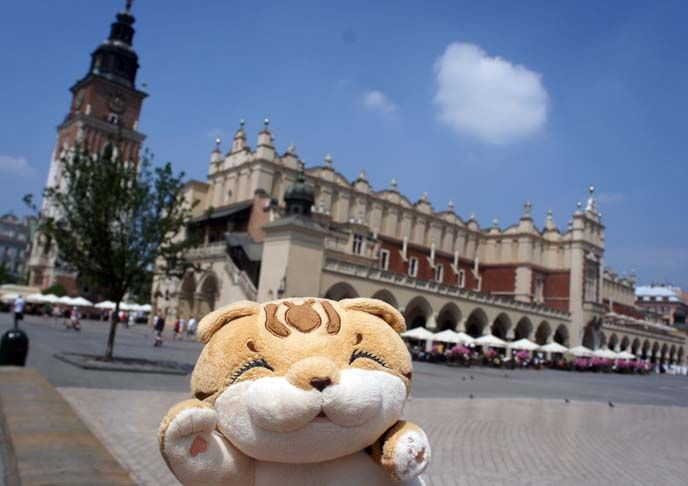 Send Your Stuffed Animal on a Tour of Europe!