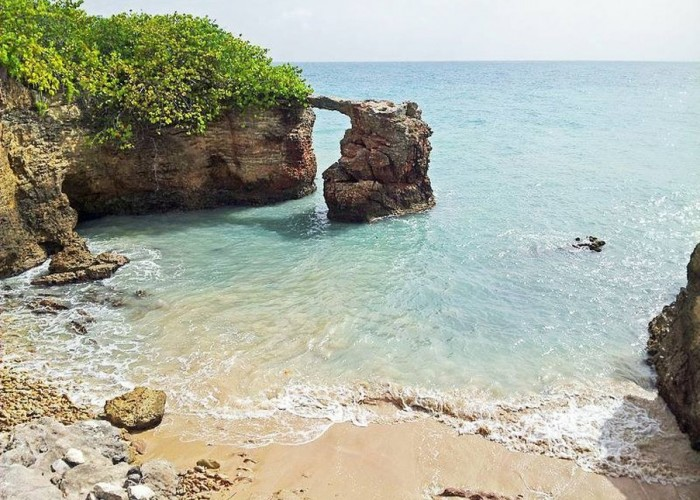 The 10 Cheapest Caribbean Destinations to Visit This Winter (Ranked)