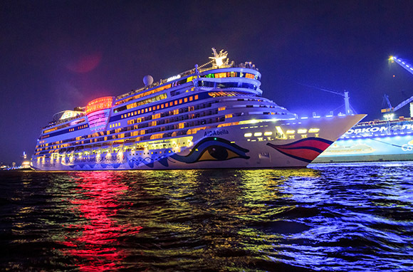 How to Celebrate Holidays Aboard a Cruise
