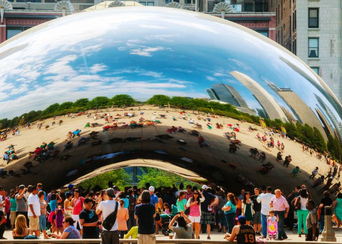$180 — Chicago: Discounted Rates, Free Breakfast and Gift Card
