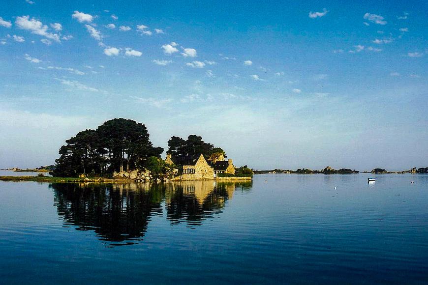 Coz Castel, France island for rent