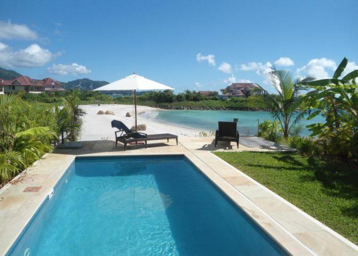 Hottest beachside rentals under 250 person smartertravel - Eden island seychelles ...