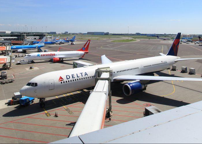 Following Brexit, United and Delta Reduce U.K. Flights