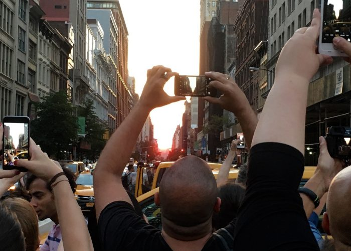 New Yorkers Stop Traffic for Photos of This Phenomenon Every Summer