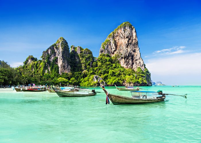 Bangkok, Phuket, Koh Samui: 6-Night Vacations from $1090