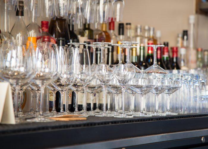 wine glasses in restaurant