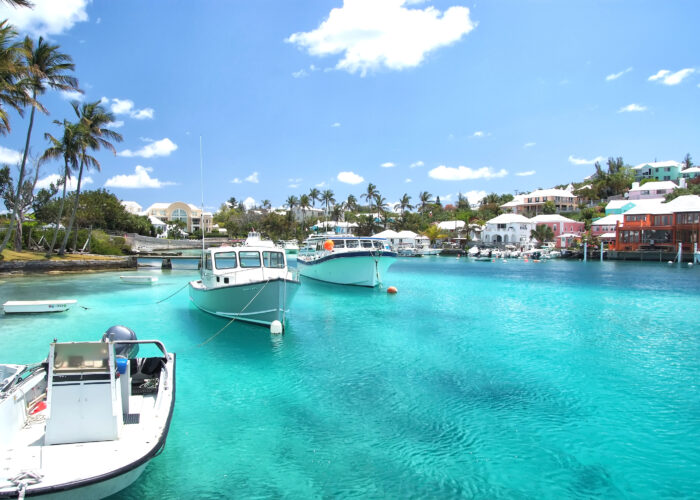 bermuda harbor with boat view