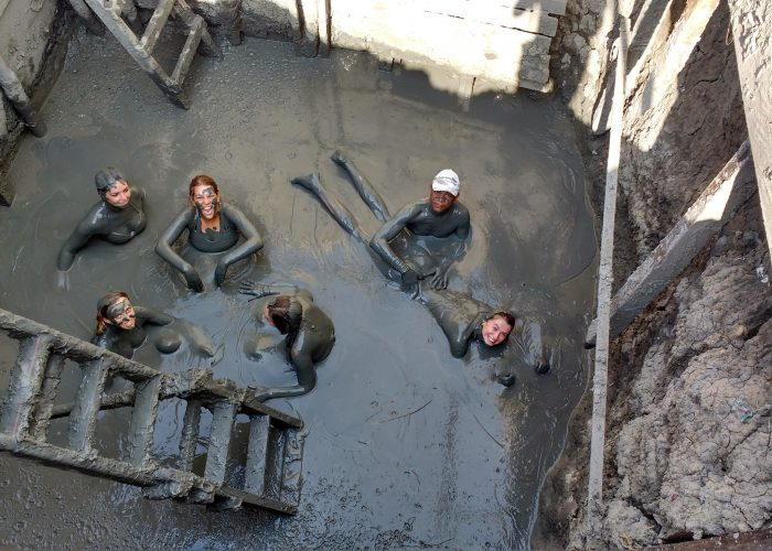 things to do in colombia mud volcano
