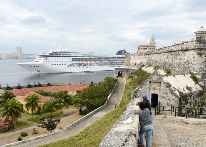 Time Your Travel to Cuba around Cruise Ship Schedules