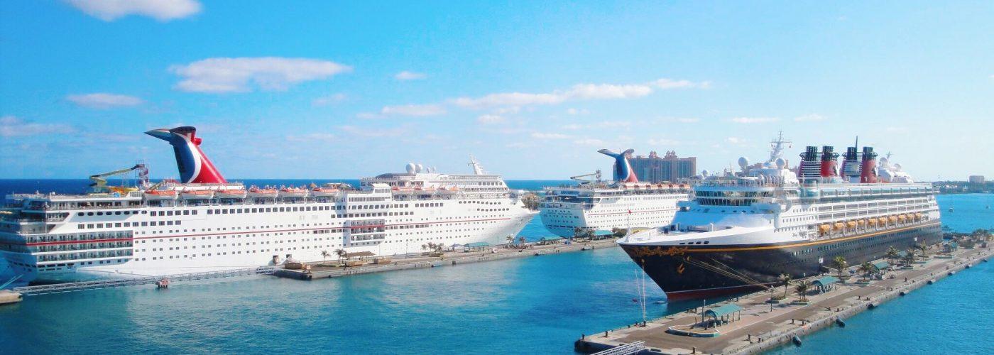 cruises in port