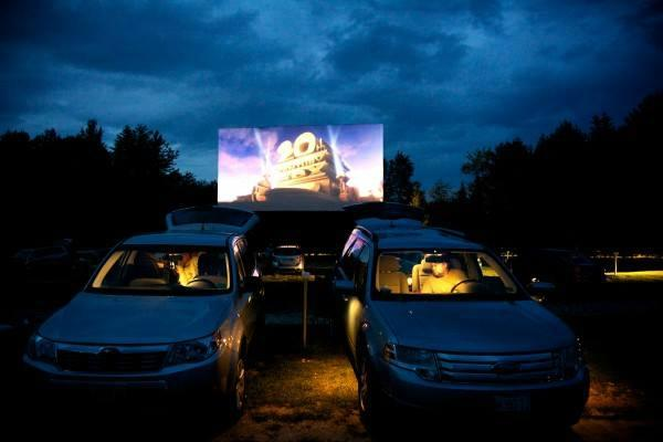 things to do in maine movie theater