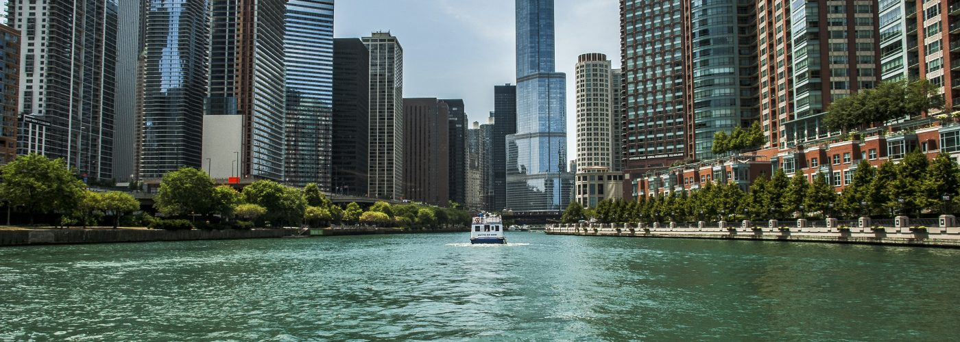 things to do in chicago river cruise
