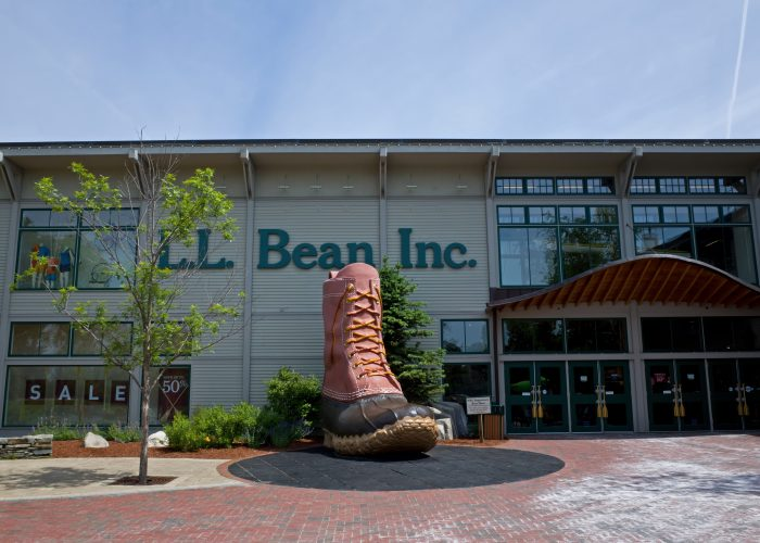 things to do in maine shopping