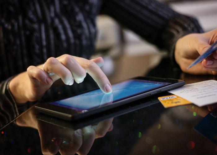 Earn 3,000 Carlson Bonus Points for Mobile App Bookings
