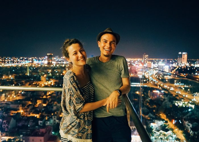 couples travel disagreement city