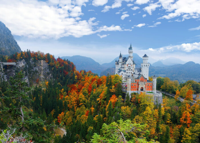 4 Gorgeous Places for Leaf-Peeping Abroad