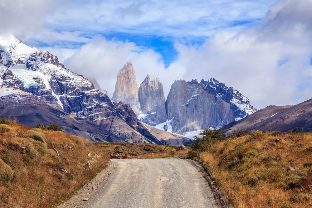 Road and mountains of torres del paine