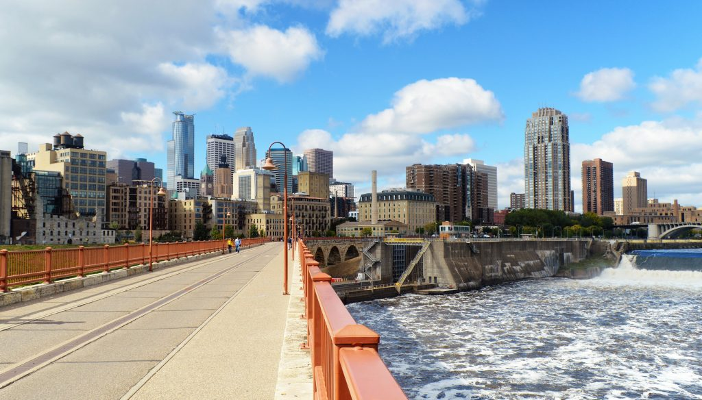 Minneapolis mississippi river stone arch bridge