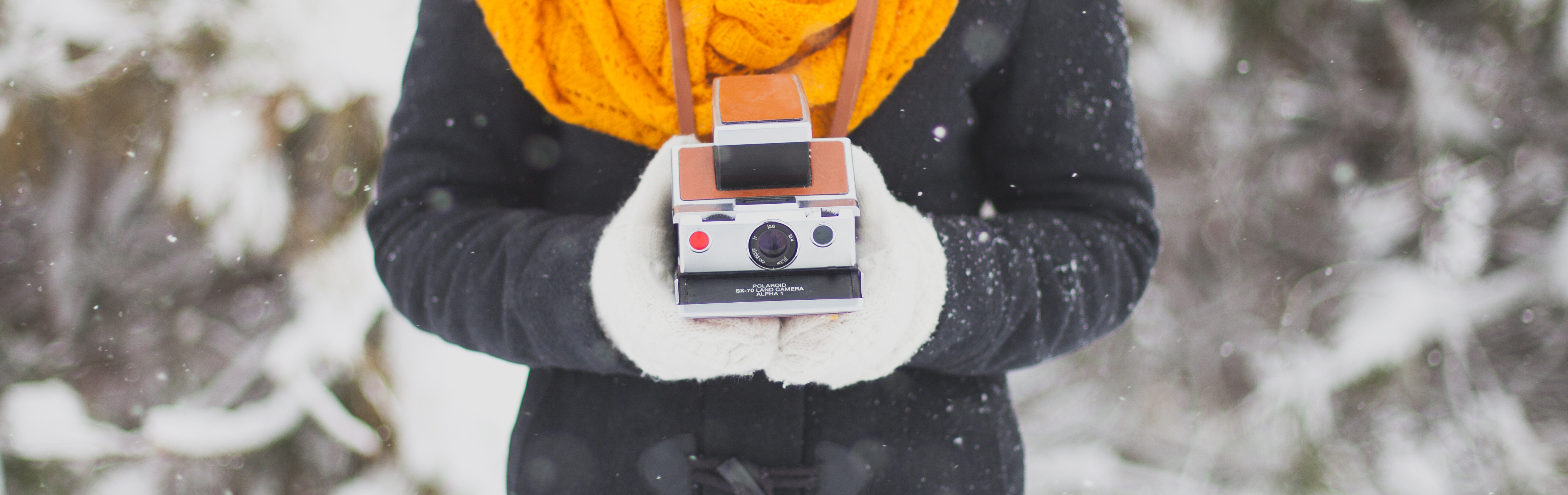 10 Instant-Print Cameras Recommended by a Travel